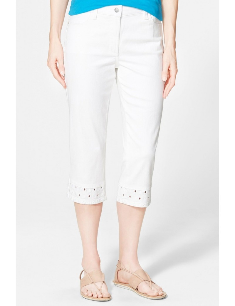 NYDJ - Ariel Diamond Eyelet Crop in White *M77L93DT4426