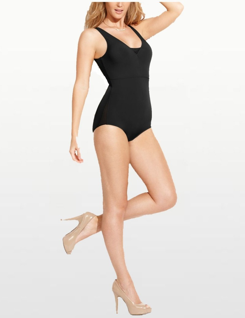 Star Power by SPANX Light Control Thin Vogue Bodysuit